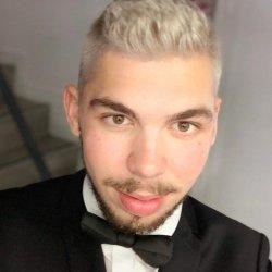 rencontre site gay identity à Mérignac