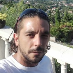 rencontre jeune gay icon à Athis-Mons
